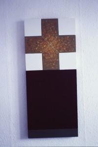 """WVZ 1-12-85, Acryl auf Spanplatte, Nylonschnur, """"kleines Altarbild"""", 1985, 37 x 87,5"""