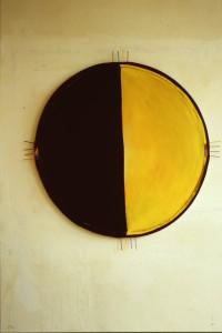 """WVZ 3-12-85, Acryl auf Spanplatte, Nägel, """"Sonne-Mond und Sterne"""", 1986, D=111"""