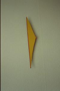 """WVZ 45-4-93, Acryl auf Wellpappe, """"Pfeil"""", 1993, 10,5 x 64"""