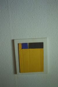 """WVZ 47-5-93, Acryl auf Wellpappe auf Holz, """"Haus"""", 1993, 26,5 x 31"""