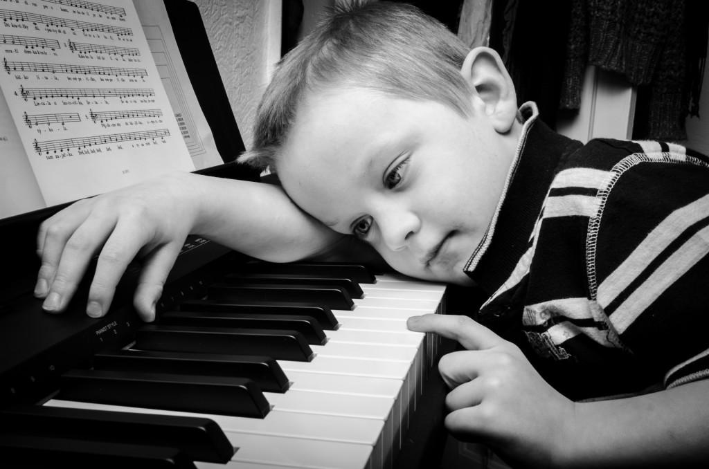 Kind, Piano
