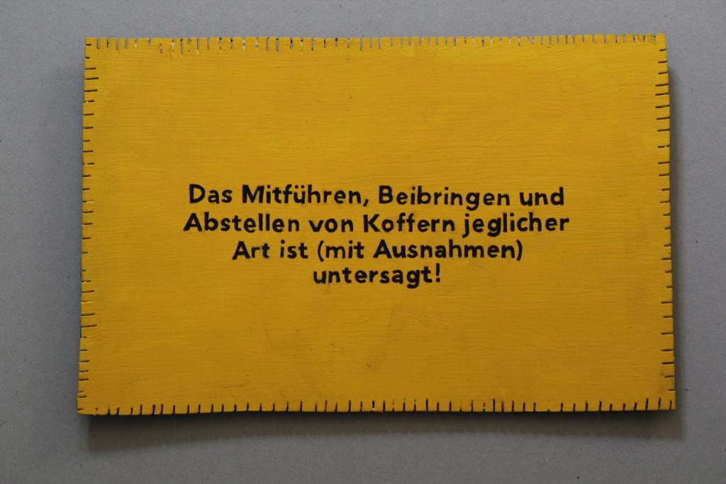 """WVZ 9-3-17, Acryl auf Sperrholz, """"Objekt: """"Das Mitführen..."""" (Gummibärchen)"""", 2017, 34,1 x 21,8"""