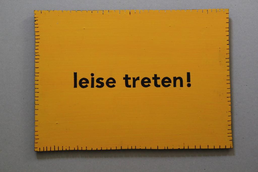 "WVZ 11-3-17, Acryl auf Sperrholz, ""Objekt: ""leise treten!"", 2017, 32 x 23"