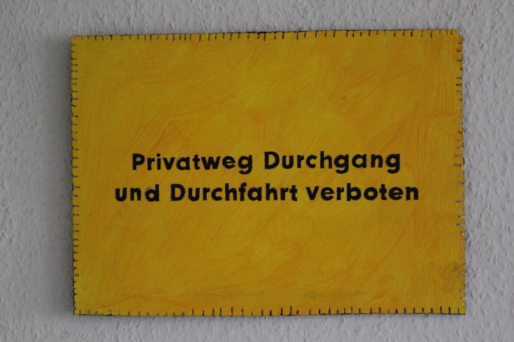 """WVZ 6-11-17, Acryl auf Sperrholz, """"Objekt: """"Privatweg...""""), 2017, 38 x 27,5."""