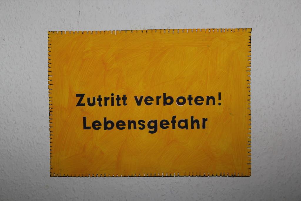 """WVZ 15-12-17, Acryl auf Sperrholz, """"Objekt: """"Zutritt verboten..."""", 2017, 38 x 27,5"""