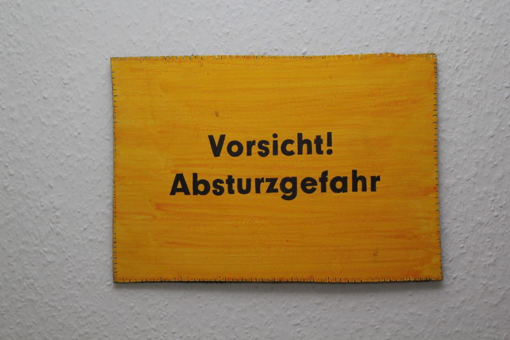 """WVZ 6-7-18, Acryl, Faserstift auf Sperrholz, """"Objekt: """"Vorsicht! Absturzgefahr"""", 2018, 38 x 26,5"""