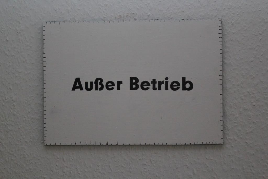 """WVZ 2-12-18, Acryl, Faserstift auf Sperrholz, """"Objekt: """"Außer Betrieb"""", 2018, 38 x 26,5"""