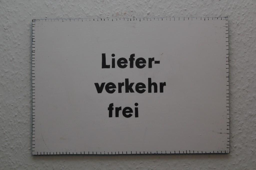 "WVZ 3-2-19, Acryl, Faserstift auf Sperrholz, ""Objekt: Lieferverkehr frei"", 2019, 38 x 26,5"
